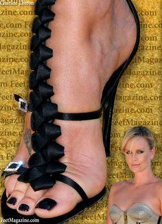 Charlize-Theron-Feet-1022410.jpg (650×900)