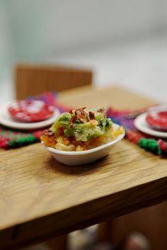 Mini Papas Fritas con Cheddar y Guacamole ~ Mini Cocina Cooking Toys, Tiny Cooking, Real Food Recipes, Cooking Recipes, Mini Kitchen, Kitchen Small, Food Plus, Taste Made, Kitchen