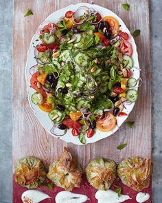 Jamie Oliver 15 minute meal modern greek salad, spinach, chickpea & feta parcels.