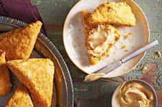 Pumpkin Scones With Whipped Brown Butter Icing—A brown butter spread gives flaky spiced pumpkin scones nutty flavour and an extra touch of sweetness. Get the recipe: Pumpkin Scones With Whipped Brown Butter Icing Pumpkin Pie Recipes, Fall Recipes, Sweet Recipes, Pumpkin Scones, Spiced Pumpkin, Best Ever Apple Pie, Canadian Living Recipes, Delicious Desserts, Dessert Recipes