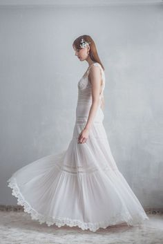 Ethereal Crochelle Bridal Look Book. Bridal gowns come in many different styles, shapes, forms and even colours! But which style is the best fitted for you? Bohemian Bride, Bridal Looks, Ethereal, Different Styles, Bridal Designers, Gowns, Wedding Dresses, Brides, Greek