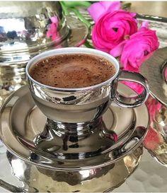 Coffee Love, Coffee Break, Coffee Cups, Tea Cups, Good Morning Coffee, Turkish Coffee, Espresso Cups, Chocolate Coffee, Wine Drinks