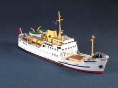 Queen Of The Isles Ship Paper Model In Scale - by Paper Shipwright Free Paper Models, Model Ship Building, Ferry Boat, Rc Model, Paper Ship, Navy Ships, Model Ships, Scale Models, Paper Crafts