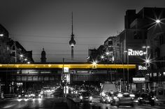 Fotograf Lights of Berlin von Thomas Bechtle auf Berlin Today, Berlin Germany, Istanbul, Places Ive Been, Places To Go, Berlin Photography, Brandenburg Gate, World Cities, Most Beautiful Cities