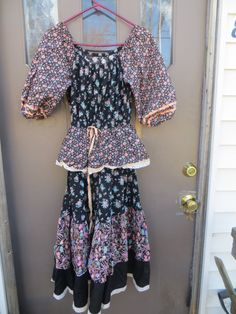 70s Boho Hippie Peasant Dress flowered by Linsvintageboutique