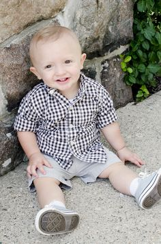 6 month old boy picture ideas. fort wayne indiana photographer