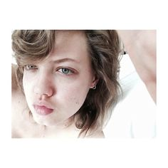 Where can you find some sweetness and beautiful snaps? Look no further than Lindsey Wixson's account