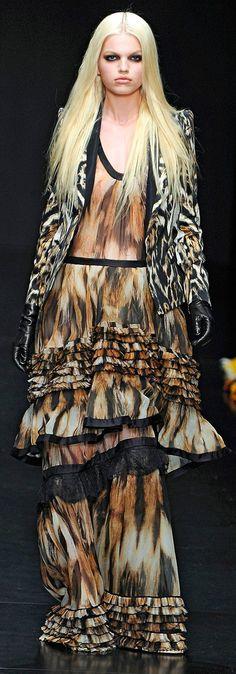 ✜ Cavalli FALL RTW 2012 ✜ http://www.vogue.com/collections/fall-2012-rtw/roberto-cavalli/review/#/collection/runway/fall-2012-rtw/roberto-cavalli/