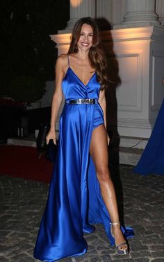 Royal Blue Prom Dress,Split Evening Dress,Fashion Prom Dress,Sexy Party Dress,Custom Made Evening DressTw Royal Blue Prom Dresses, Formal Dresses For Teens, V Neck Prom Dresses, Pageant Dresses, Evening Dresses, Party Dresses, School Dresses, Cheap Gowns, Cheap Prom Dresses