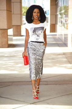 Graphic Tee + Sequin Midi Skirt (Style Pantry - Your fashion, culture and lifestyle stockist). women's fashion and style. Look Fashion, Fashion Outfits, Woman Outfits, Fashion Tips, Latest Fashion, Fashion Trends, Looks Style, My Style, Sequin Outfit