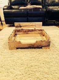 Картинки по запросу кровать для собак из поддонов