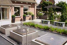 mooie fonteinen voor de tuin Modern Landscaping, Garden Landscaping, Deck Enclosures, Water Features, Landscape Design, Bali, Waterfall, Backyard, Outdoor Decor