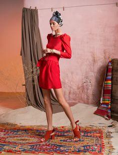 Вдохновением для новой летней коллекции от Alena Goretskaya стала Африка. Это яркая цветовая палитра, смешение стилей, анималистические и этнические принты, натуральные материалы, фурнитура и, конечно же, авторские аксессуары, которые дополнили и завершили образы, ярко отражающие стиль коллекции. #alenagoretskaya #аленагорецкая #лето2020 #летнийобразженский #летнийобраз #тренды2020 #мода2020 #летнийобразнаработу #весна2020 #африка #образналето #платье #аксессуары2020 #аксессуары…