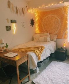 39 Cute Dorm Rooms We're Obsessing Over Right Now - By Sophia Lee - this dorm room decor just makes me happy! Informations About 39 Cute Dorm Rooms We're Obsessing O - Cute Bedroom Ideas, Cute Room Decor, Room Ideas Bedroom, Yellow Room Decor, Doorm Room Ideas, Bedroom Yellow, Yellow Rooms, Girls Bedroom, Bedroom Inspo