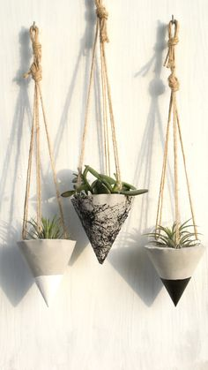 Beautiful Hanging planter for your small plants, no hole for the water at the bo. Beautiful Hanging planter for your small plants, no hole for the water at the bottom, wonderful for outdoor and indoor , made Diy Concrete Planters, Cement Planters, Diy Planters, Black Planters, Recycled Concrete, Decorative Planters, Concrete Garden, Garden Planters, Concrete Crafts