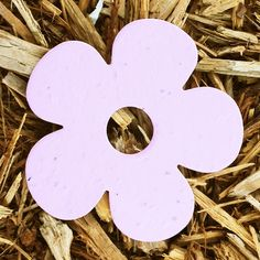 Daisy Flower Plantable Seeded Paper Shapes. Made with 100% recycled paper and embedded with a mix of wildflower seeds. #favors, Daisy Giggles