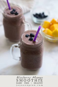 Blueberry Mango Smoothie - a healthy easy and delicious breakfast smoothie recipe! A drink with a blend of blueberries mangoes bananas almond milk peanut butter honey and spinach. Dairy free gluten free and vegetarian. Blueberry Mango Smoothie, Mango Smoothie Recipes, Breakfast Smoothie Recipes, Diet Breakfast, Dairy Free, Gluten Free, Low Carb Appetizers, Low Carb Side Dishes, Great Recipes