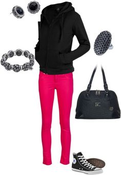 Black bauble jewelry from Grace Adele and the Emma bag.  Perfect way to dress up a dress down outfit!