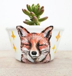 EXPRESS DELIVERY Handpainted Fox planter Animal planter Fox Succulent planter Cute fox planter Fun f #succulentplanter #gardenideas #garden Succulents Tumblr, Succulents Drawing, Colorful Succulents, Indoor Succulent Planter, Vertical Succulent Gardens, Hanging Air Plants, Hanging Succulents, Cat Plants, Fox