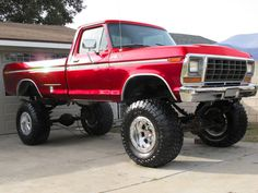 Sharp old Ford. Pinterest: pearlxoxoxo