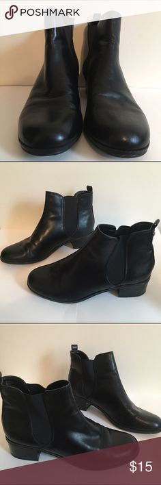 Bandolino leather ankle boots Black leather ankle boots. Worn once. Bandolino Shoes Ankle Boots & Booties
