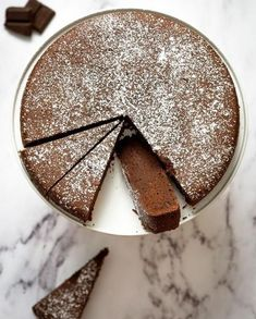 "Gâteau chocolat Weight Watchers pour 8 personnes - Recettes Elle à Table A perfect cake for chocolate lovers at 5 SmartPoints per share (Freedom Weigth Watchers program) . Discover the preparation of the recipe ""Weight Watchers Chocolate Cake"""