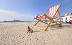 World's Largest Deckchair, Bournemouth. Pointless, bizarre and enormous roadside attractions   from around the world (but mostly America).