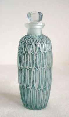 Rene Lalique Petites Feuilles bottle c.1910 - H-10cm