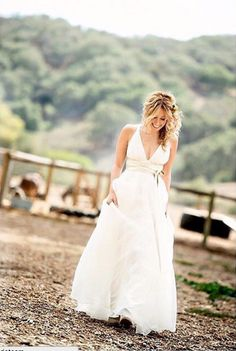 """#regram from @lauriebaileyphoto (and @shareenbridal) : Lorin in #shareenbridal - the """"Erika""""."""