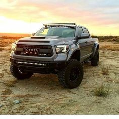 Toyota Tundra Lifted, Toyota 4x4, Toyota Trucks, Lifted Ford Trucks, Toyota Hilux, Jeep Truck, New Trucks, Toyota Tacoma Off Road, Daihatsu