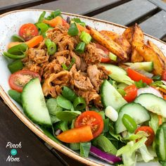 Slow Cooked Kleftiko Lamb - Pinch Of Nom Slimming Recipes Healthy Eating Recipes, Nutritious Meals, Healthy Meals, Healthy Food, Goat Recipes, Pinch Of Nom, Low Calorie Dinners, Easy Weeknight Dinners, Slimming World Recipes