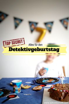 Here you will find EVERYTHING for a successful detective birthday! Here you will find EVERYTHING for a successful detective birthday! Kids Party Themes, Birthday Party Themes, Cake Birthday, Birthday Ideas, Christmas Party Invitations, Birthday Invitations, Free Gift Cards, Kids Cards, Kids And Parenting