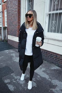 27 Cute Winter Coat Outfits For Inspiration This Season - - How cute is this winter coat? Love the black and white look! - : 27 Cute Winter Coat Outfits For Inspiration This Season - - How cute is this winter coat? Love the black and white look! Simple Winter Outfits, Winter Coat Outfits, Winter Outfits Women, Winter Fashion Outfits, Fall Outfits, Casual Outfits, Black Outfits, Fashionable Outfits, Black Coat Outfit