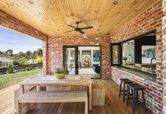 New Recycled Brick Patio Beautiful Ideas Modern Brick House, Brick House Designs, Modern House Facades, Modern House Design, Red Brick Exteriors, Brick Facade, Facade House, Modular Home Designs, Weatherboard House