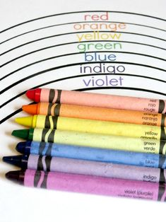 Learning in an Instant: Colors of the Rainbow (free printable)