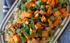 Eltefri rundstykker med quinoa - Kvardagsmat Tex Mex, Quinoa, Crisp, Salsa, Curry, Ethnic Recipes, Food, Cilantro, Curries