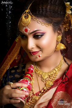 The Big Red One, Bengali Bridal Makeup, Bridal Makeover, Bride Portrait, Stylish Girl Pic, Bindi, Married Woman, Traditional Looks, Brides