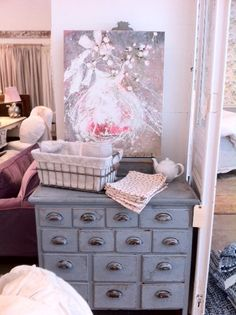 Rachel Ashwell Shabby Chic Couture Showroom, Soho- NYC. Laurence Amelie painting.