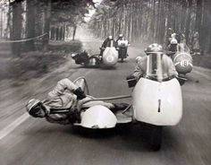On The Road + SIDECAR RACE :: porelpiano