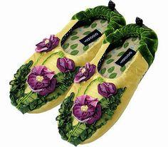 c93db6dc9f8 New Goody Goody Bon Bon Purple Pansy Slippers Women s Size Your Choice s M  L XL