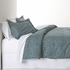 Lucia Blue Bed Linens