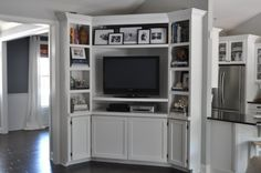 Absolutely love this...perhaps a solution for anyone with a corner television location?