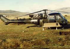 Scout of AAC configured for casualty evacuation duties (casevac), Falklands. Experimental Aircraft, Royal Air Force, British Army, Cold War, Warfare, Troops, Aviation, Helicopters, Choppers