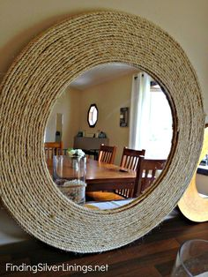 D-I-Y rope mirror! on my list now . - Do it yourselfD-I-Y rope mirror! on my list now .How to create a DIY rattan style mirror with rope - DIY home decorHow to create Rope Mirror, Diy Mirror, Mirror Ideas, Mirror Trim, Diy Home Crafts, Diy Home Decor, Jute Crafts, Decor Crafts, Mur Diy