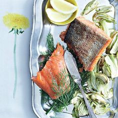 Grilled salmon and fennel Fennel Recipes, Salmon Fillets, Cooking Instructions, Grilled Salmon, Fish Dishes, Recipe Collection, Main Meals, Cooking Time, Kos