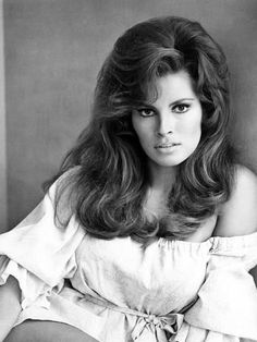 Photo: Raquel Welch, 1968 : 24x18in