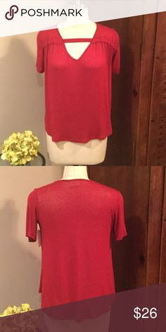CUTE RED TOP BY H.I.P. Absolutely adorable short sleeve red top by H.I.P. Super soft and hangs well. 97% rayon 3% spandex. Pair with your favorite jeans and heels for a perfect night out.✅Price is firm but can be discounted with bundle. 🚫No Trades H.I.P. by Buckle Tops