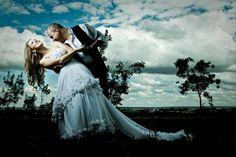 Foto do Adriano Gonçalves, especialista em fotos de casamento com técnicas inovadores de iluminação