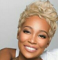 Perfect Blonde Color Hairstyle for Short Hair Cute Hairstyles For Short Hair, Pretty Hairstyles, Short Hair Cuts, Short Hair Styles, Short Pixie, Short Sassy Hair, Pixie Styles, Pixie Cuts, Afro