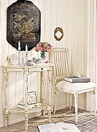 White shabby chic room, with pink roses <3
